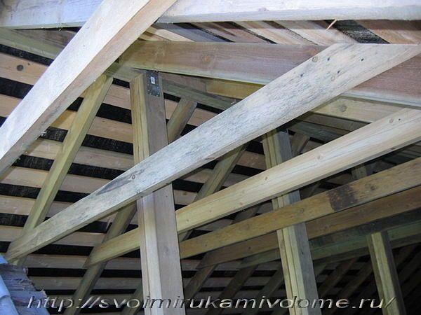 Стропила, ригели, столбы новой крыши