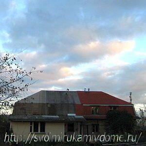 Домна закате, крыша строится