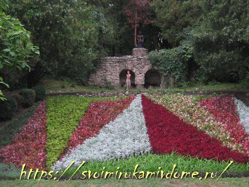 В Курортном парке Ессентуков, замок