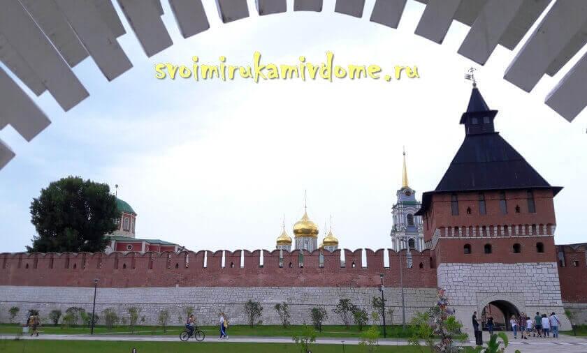 Вид на кремль с набережной Упы в Туле