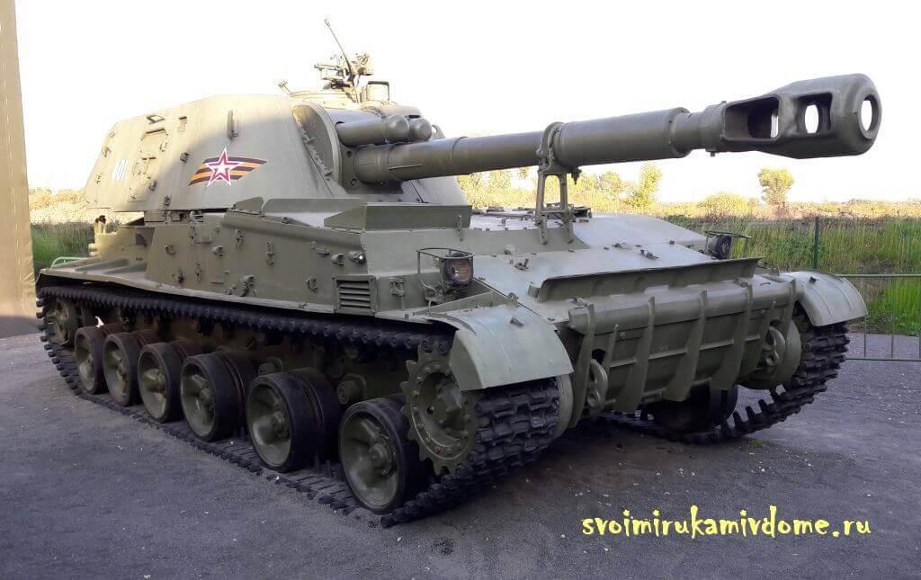 """Танк Т80У в парке """"Патриот"""" Тулы"""
