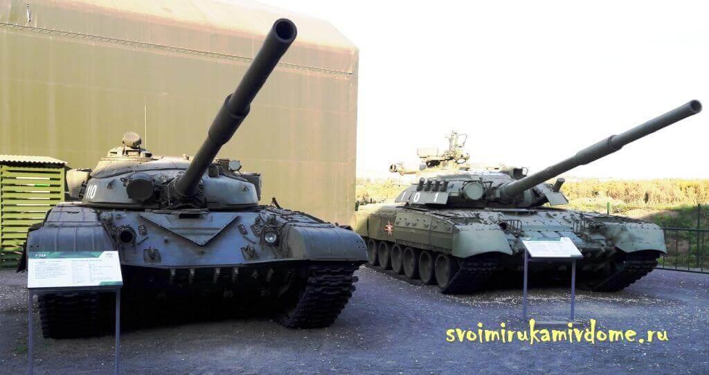 """Экспозиция танков в парке """"Патриот"""""""