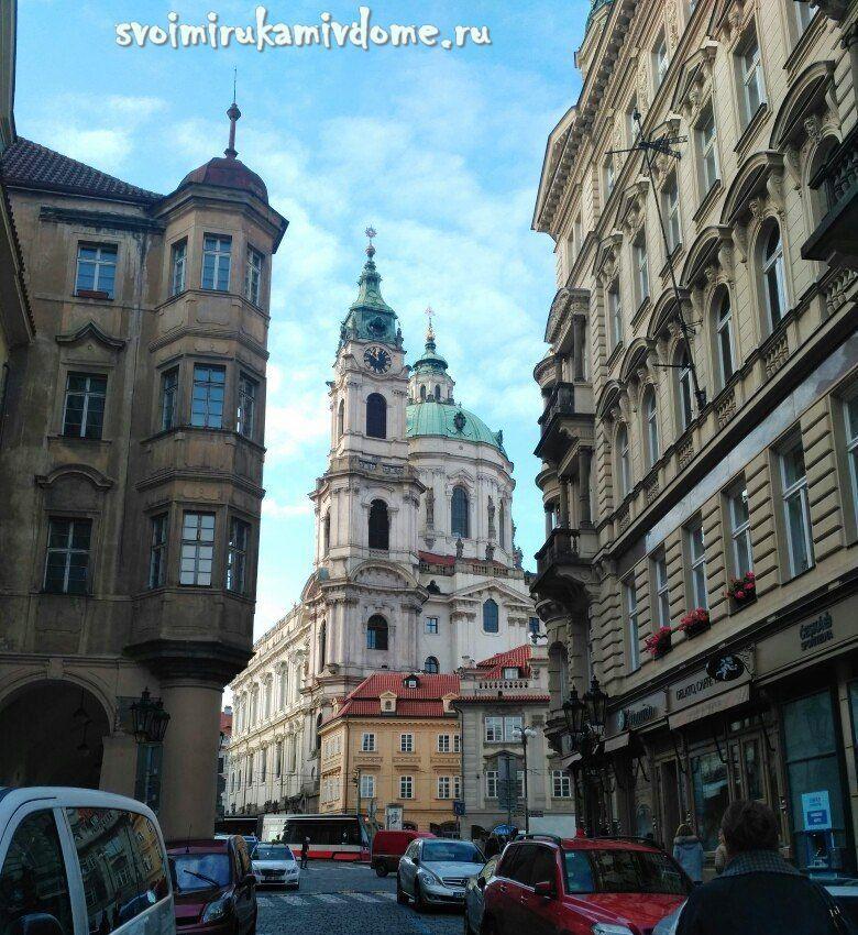 Вид на костёл Святого Николая со стороны Мостецкой улицы