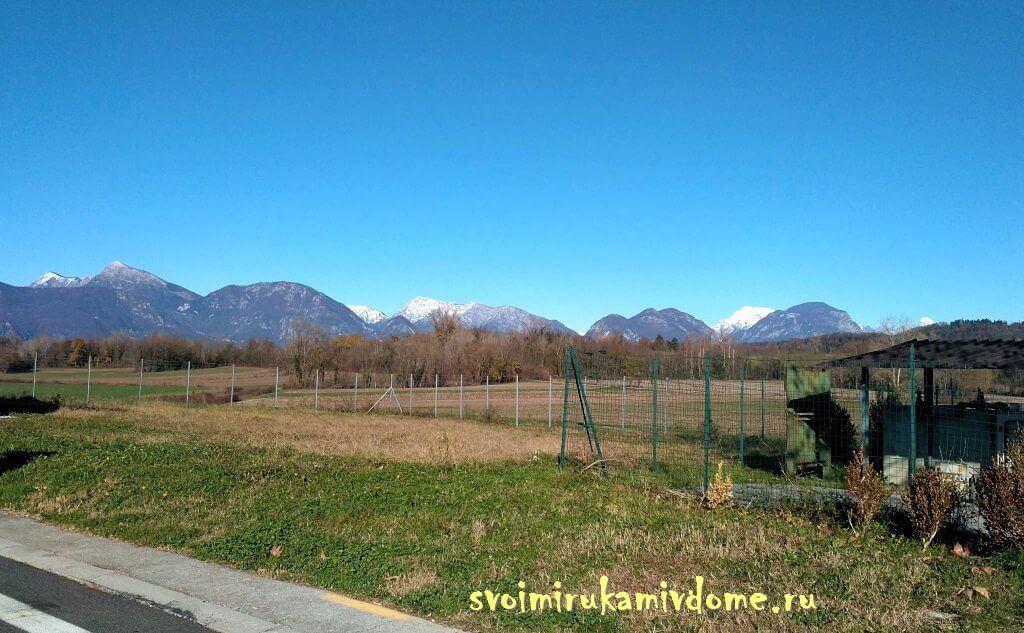 Дорога по горной долине, Италия