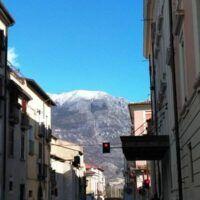 Вид из Сульмоны на гору, Италия